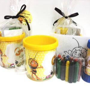 Caneca Abelhinha com kit colorir e bola de sabão