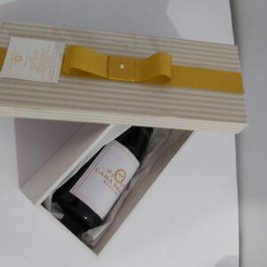 caixa mdf com mini espumante